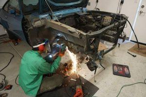 Alcino Azevedo Mustang II CAM-T Champion modifying K-member